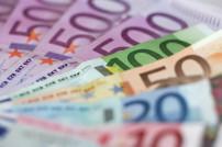 Große Euro-Geldscheine aufgefächert